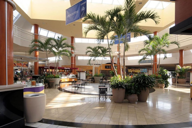 miami international mall memorial day hours