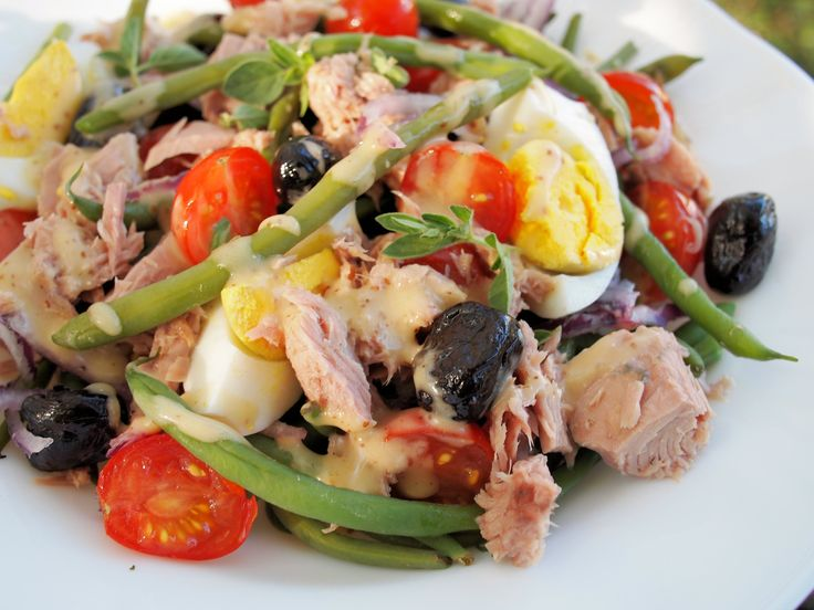 ... Feast Days, Monday Meal Plan and a LOW CALORIE Salad Niçoise Recipe
