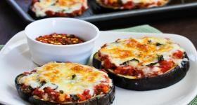 Julia Child's Eggplant Pizzas (Tranches d'aubergine á l'italienne)