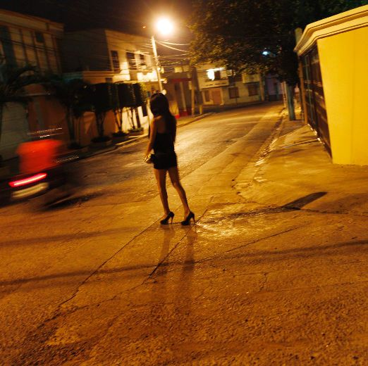 intention women streets