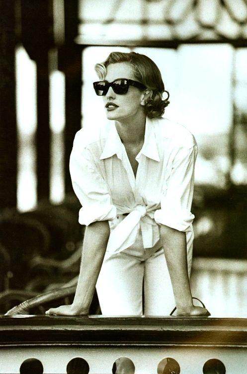 Tatjana Patitz - April 1992 - Vogue UK - 'Easy Pieces For The Great Escape' - Photo by Patrick Demarchelier - @~ Mlle