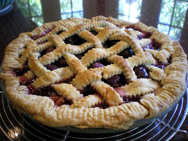 sour cherry pie with lattice crust | me encanta la comida. | Pinterest