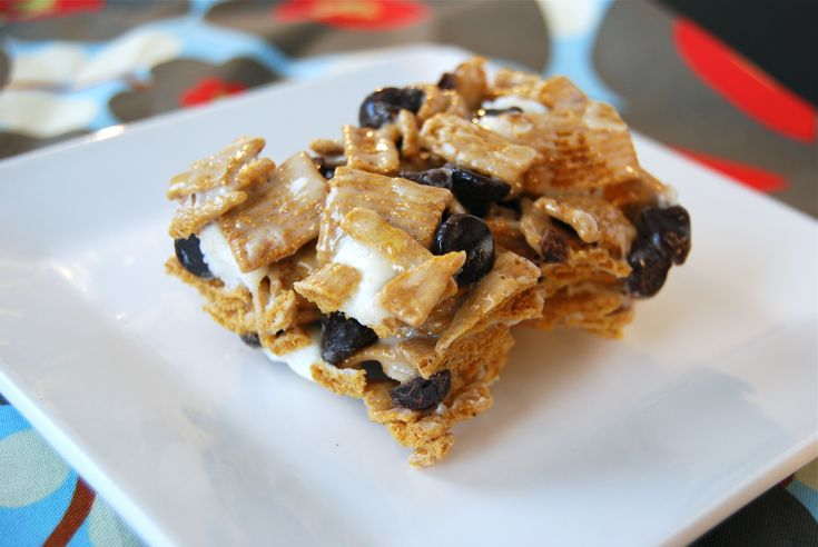 Golden Graham S'mores Bar | maddie and max | Pinterest