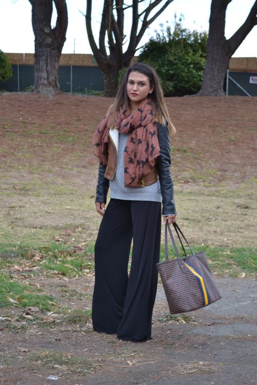 fall comfy clothing // flowy pants for thanksgiving