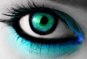 Crazy Contact Lenses  Making Them Look Deep Into Your Eyes