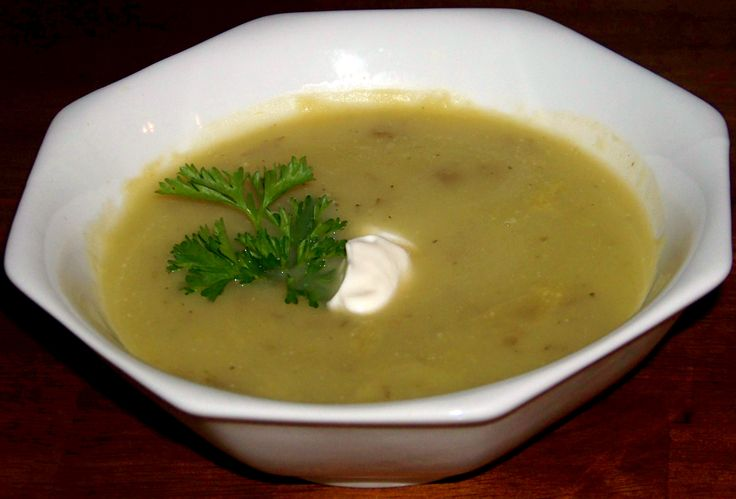 Skinny Potato Soup with Yukon Gold Potatoes and Leeks