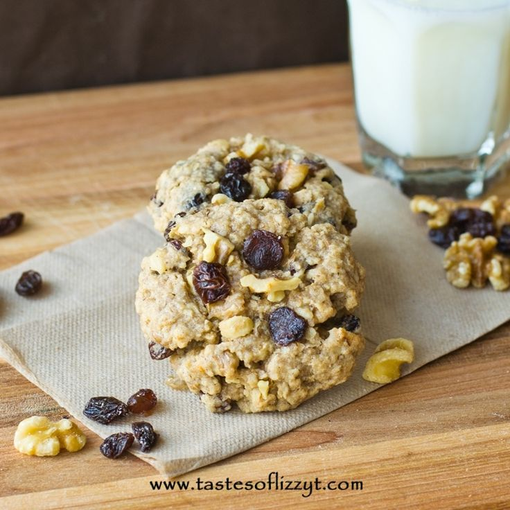 Oatmeal Raisin Cinnamon Cookies - Tastes of Lizzy T's