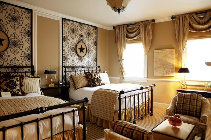 Beautiful guest room home sweet home pinterest for Pictures of beautiful guest bedrooms