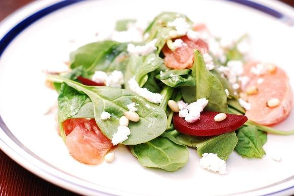 Spinach and beet salad with goat cheese, pine nuts, and grapefruit ...