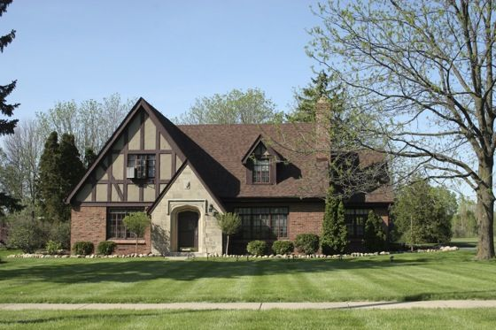 Pin by mch on architecture pinterest for Old american style houses