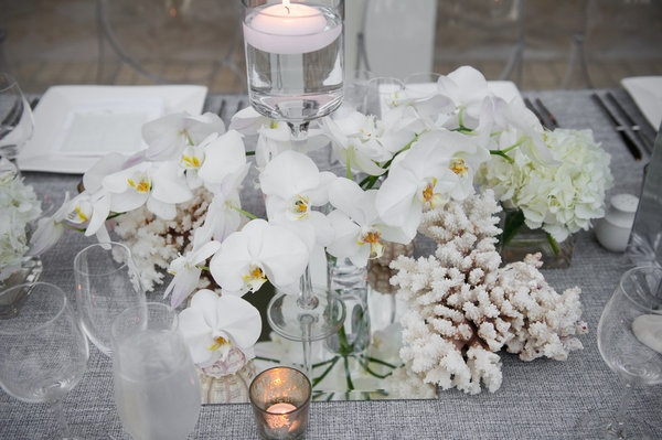 beach wedding tablescape