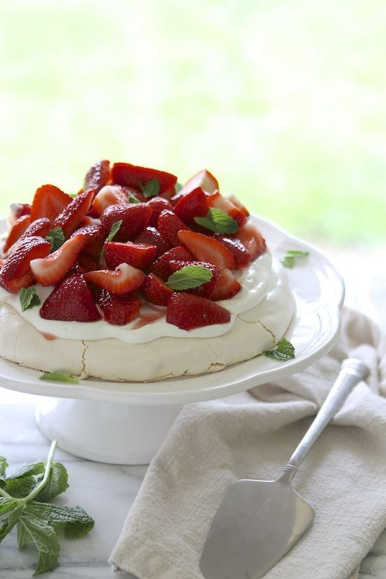 Strawberry Pavlova with Mint. | cooking | Pinterest