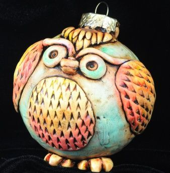 Ideas - cover old christmas ball ornaments with polymer clay - cute owl!