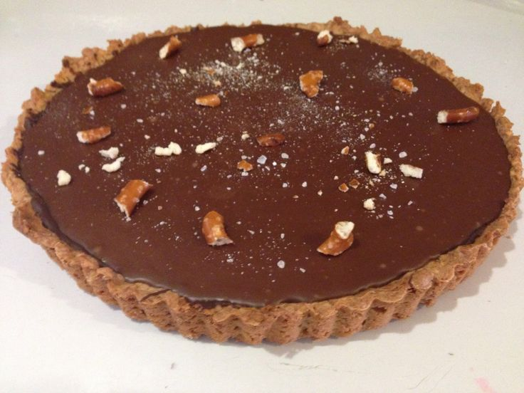 Our milk chocolate pretzel tart | Bunny Cakes baked goods | Pinterest