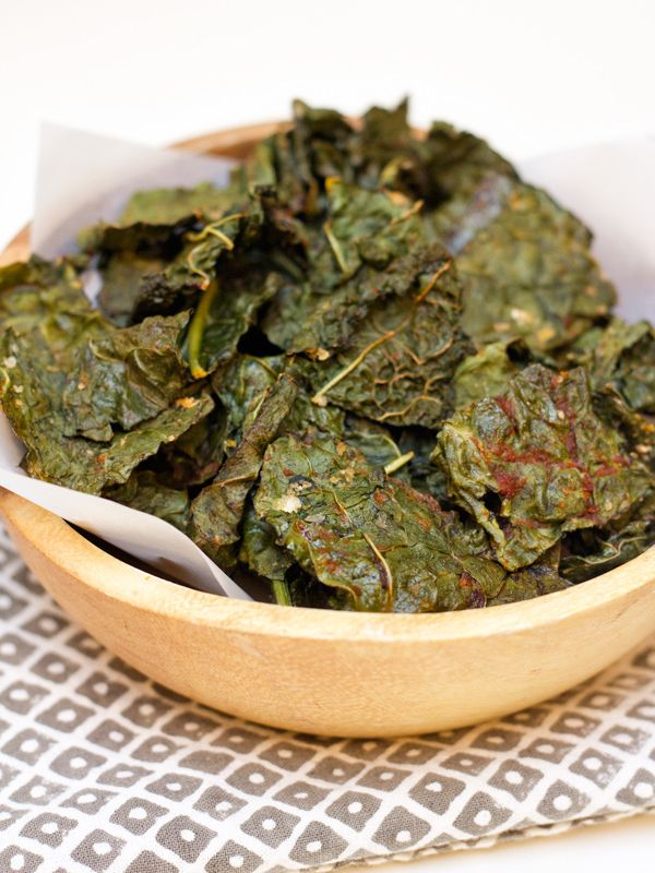 Easy Sriracha Kale Chips Recipe