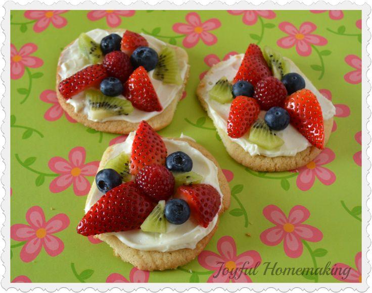 Mini Fruit Pizzas | Sweets | Pinterest