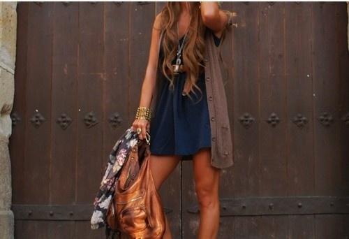 Hair + tan + bag = cool