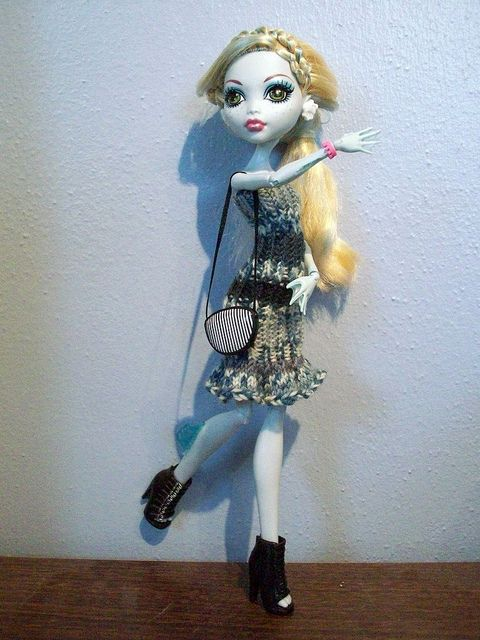 Knitting Patterns For Monster High Dolls : Monster High dress Free knitting pattern Free Patterns For Dolls
