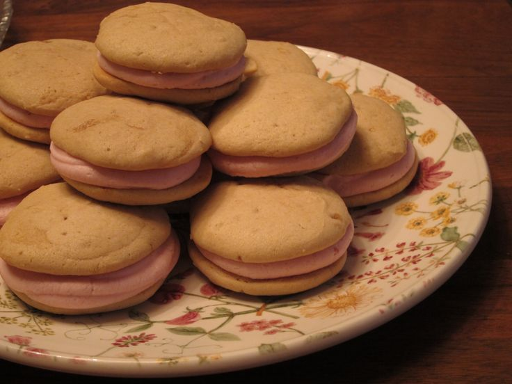 Raspberry-Lemon Whoopie Pies Recipe — Dishmaps
