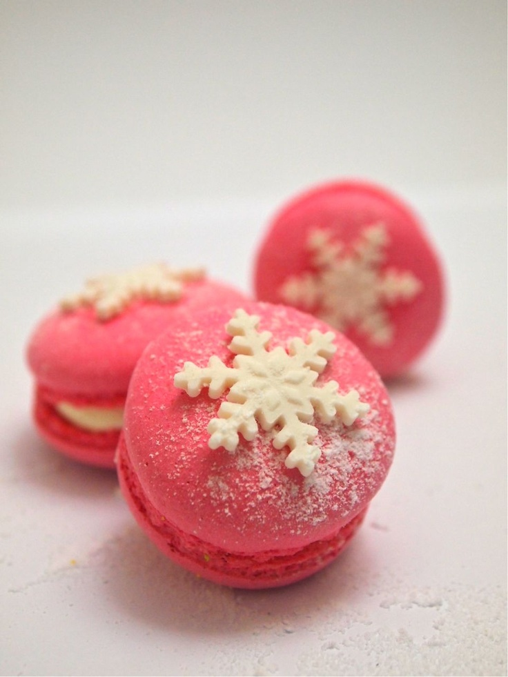 Strawberry Macarons | Merry Christmas baby! | Pinterest
