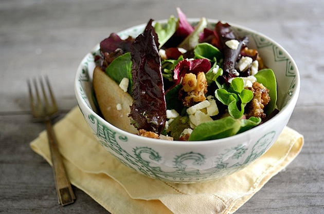 ... Kitchen Blog: Spring Greens with Pears, Sugared Walnuts and Gorgonzola