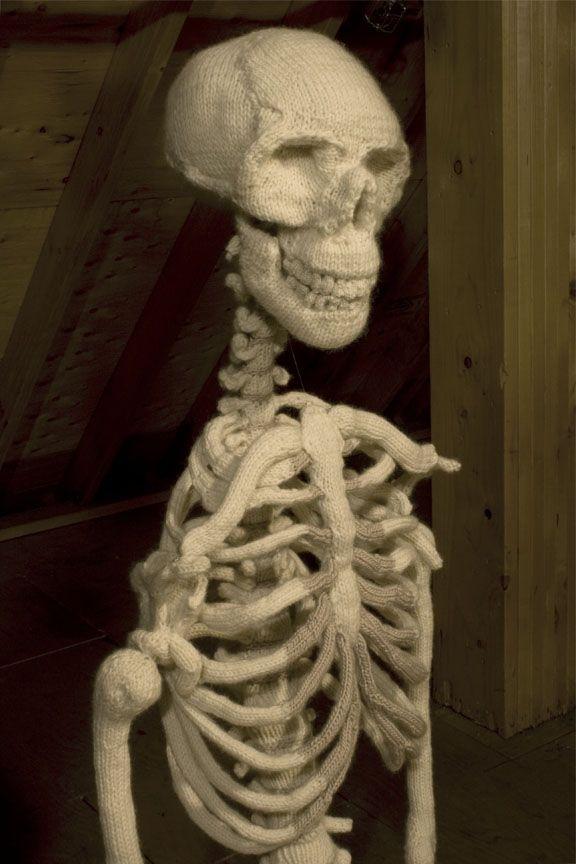 Knitted skeleton ?!
