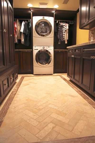Walk in closet with washer dryer kitchen and house for Masters laundry