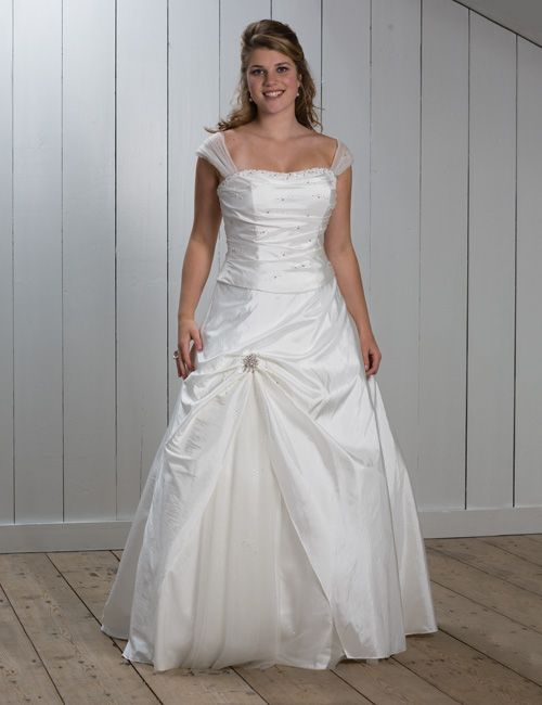 Wedding gown large bust wedding dress pinterest for Wedding dress for large bust
