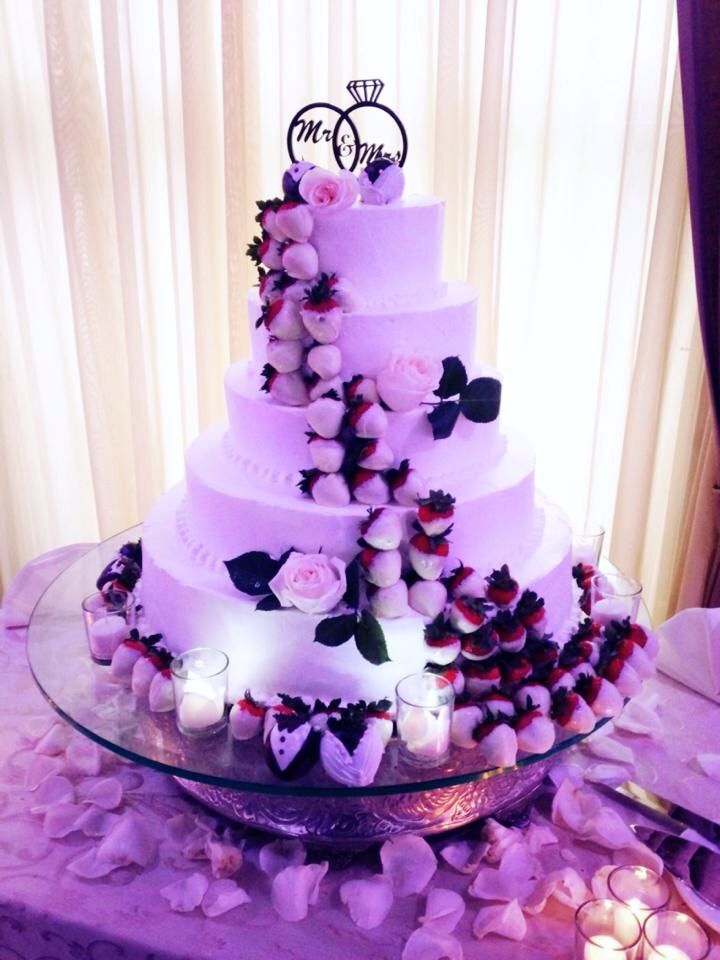 Chocolate covered strawberry wedding cake! @North Ritz Club | Sister ...