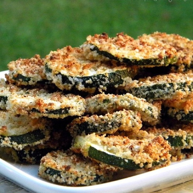 Baked zucchini chips with parm :) | Yummm | Pinterest