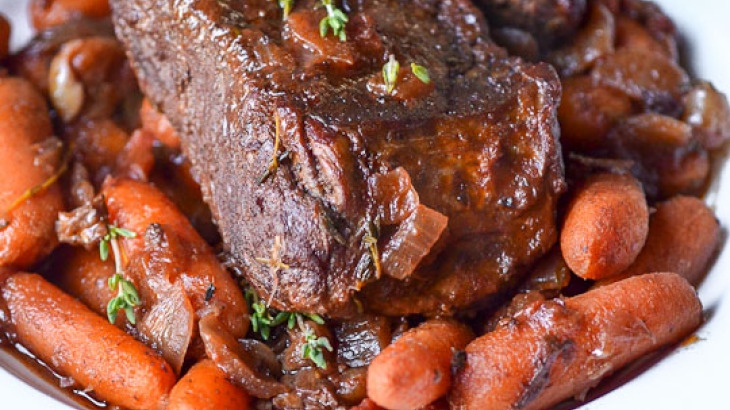 Individual Pot Roasts With Thyme-Glazed Carrots Recipe ...