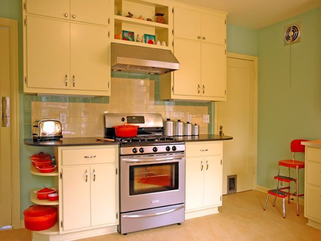 Another great 50s style kitchen the queens castle for 50s style kitchen cabinets