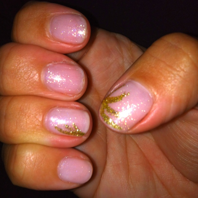 Light pink Shellac with gold nail art | Pretty in pink | Pinterest