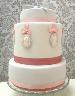 Vintage cameo wedding cake.