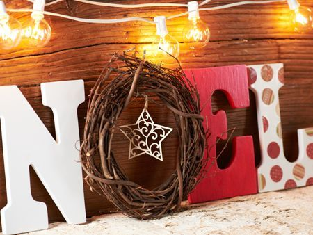 Want to try something new for your Mantel this Holiday, Try this Noel Mantel Piece.