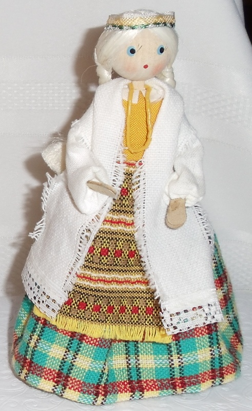 Lithuanian Doll. Dzuke, traditional costume