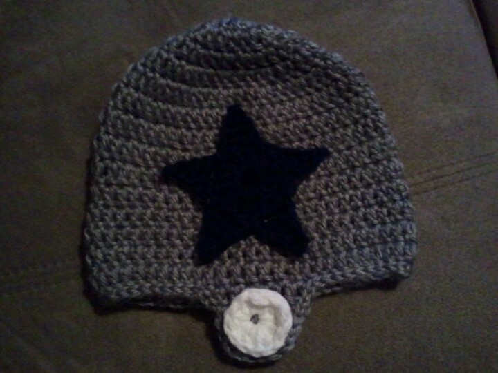 Dallas Cowboys Crochet Baby Hat Pattern : Pin by Ashley Carter on Knitting ideas Pinterest