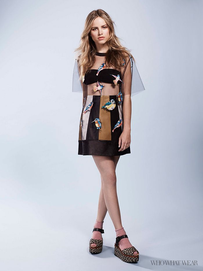 A Master Class in Mixing Prints With Paper Towns' Halston Sage images
