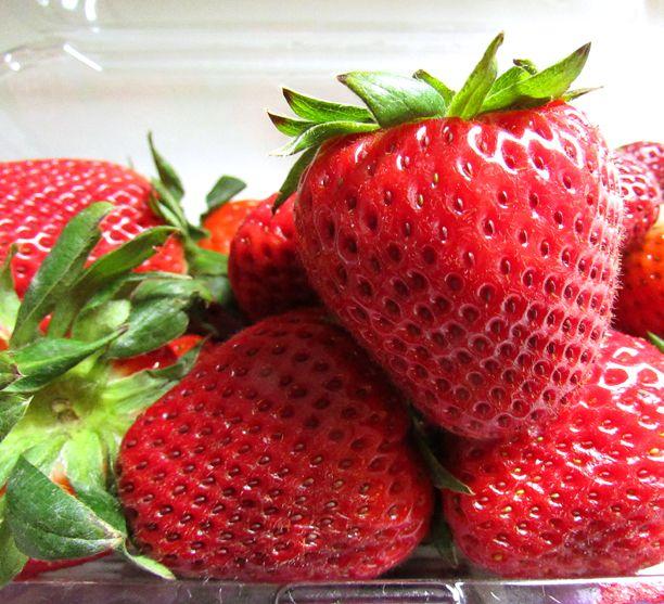 Simple Strawberry Banana Cupcakes | Sweet Treats | Pinterest