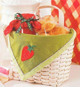 Cute strawberry towel basket liner pattern @gooseberrypatch