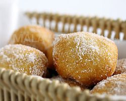 Sugared Pillsbury Biscuits (Cheater Donuts) | Easy Asian Recipes at ...