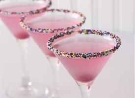 Marshmallow Cake-tini Cocktail from Tablespoon (http://punchfork.com ...