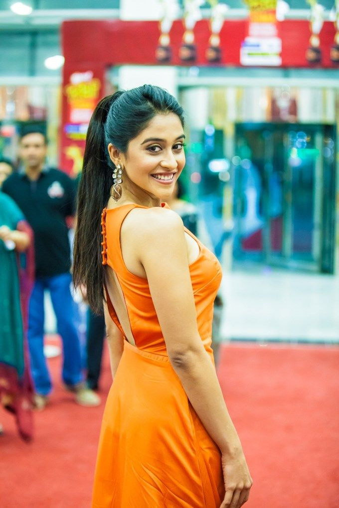 Regina Cassandra at SIIMA Awards 2013 #Tollywood #Style #Fashion #Kollywood