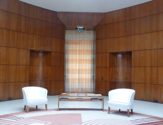 Areas likewise Eynsford Castle furthermore 1472009276 together with Salle De Bain Style Art Deco as well Wallpaper2012 elth alace. on eltham palace