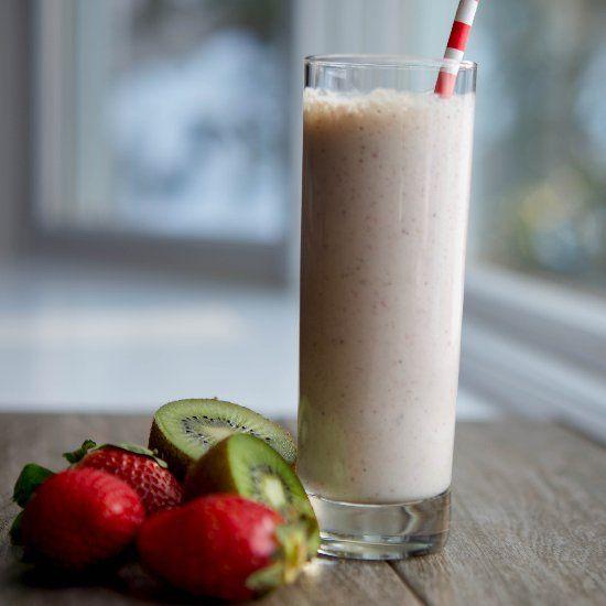 Strawberry, Kiwi & Banana Smoothie   Now there's an idea   Pinterest