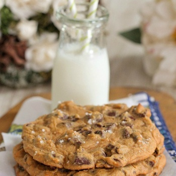 Giant Salted Pumpkin Chocolate Chunk Cookies - Clip recipes on ...