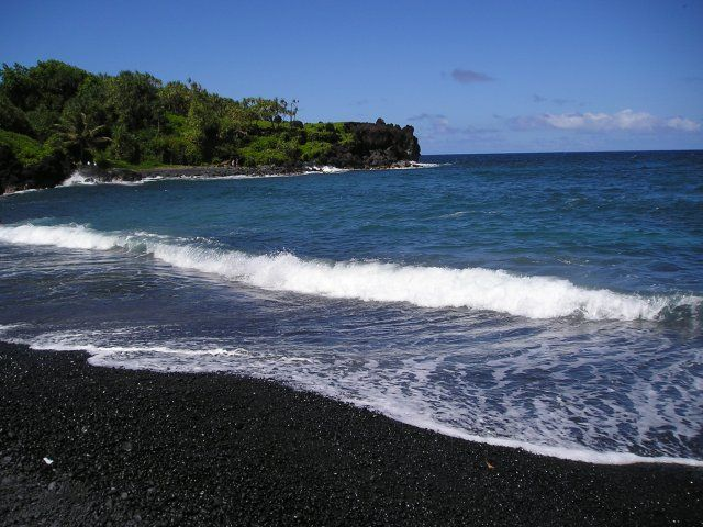Honokalani black sand beach maui places i d like to go Black sand beach hawaii