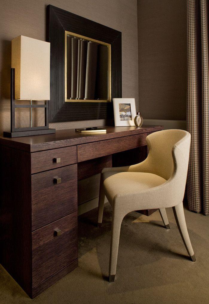 shh 013 bedroom one writing desk hotel interior decor pinte