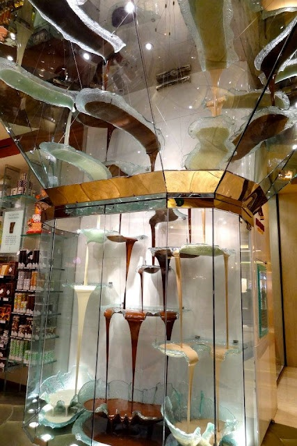 A fountain of chocolate...Jean Philippe Patisserie at The Bellagio