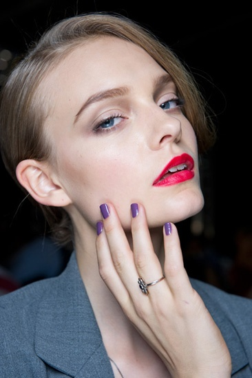 Red lips + violet nails